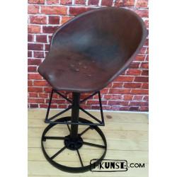 Loft / Industrial / Vintage Barhocker aus altes Traktorsitz / Schleppersitz / Sitzschale und altes Stahlrad