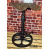 Industrial / Oldtimer / Loft Barhocker aus altem Traktorsitz / Schleppersitz / Sitzschale mit Löchern und altes Klee-Rad