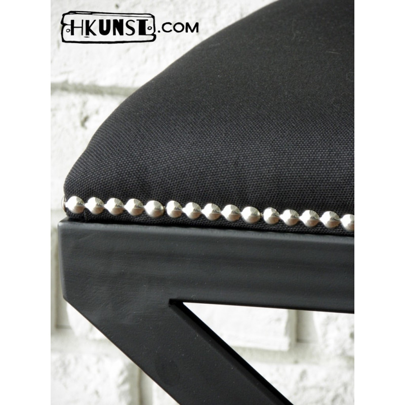 designer hocker mit sitz gepolstert. Black Bedroom Furniture Sets. Home Design Ideas