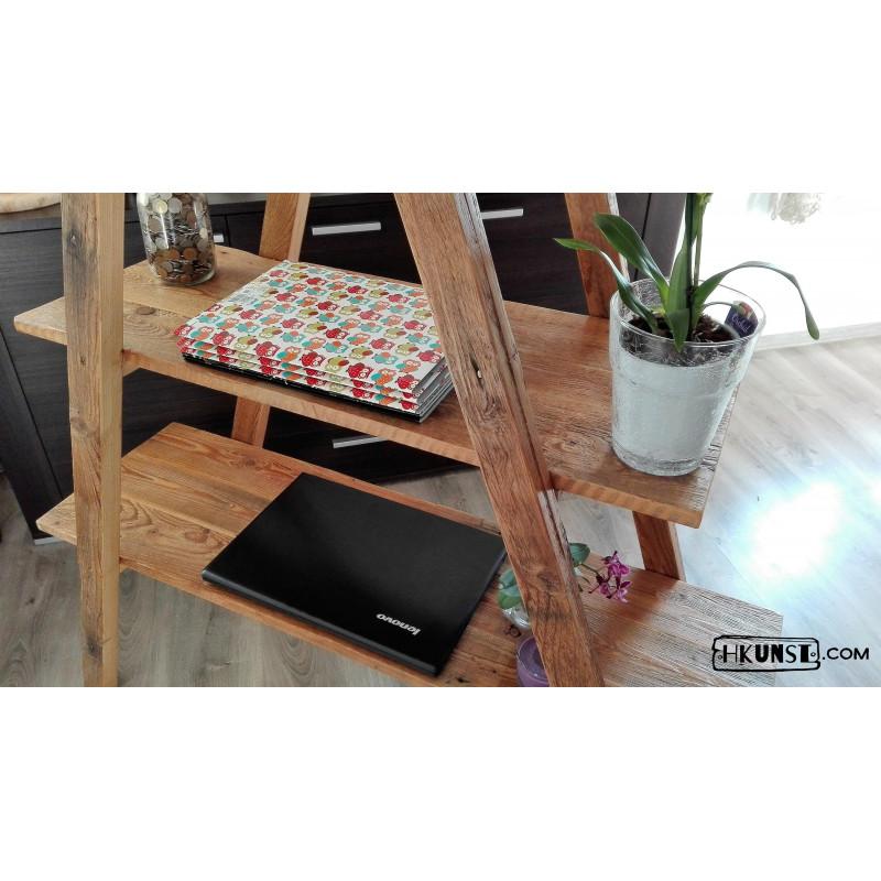 dreieckiges regal aus altholz. Black Bedroom Furniture Sets. Home Design Ideas