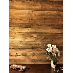 Sonnenverbrannte silbergraue Wandpaneele aus Altholz